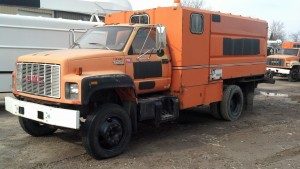 1994 GMC C6500 chipper dump truck