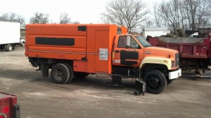 1995 GMC C6500 chipper dump truck