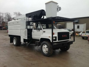 2002 GMC C7500 Forestry Bucket Truck
