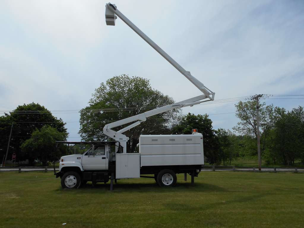 Bucket Truck for rent Fort Wayne
